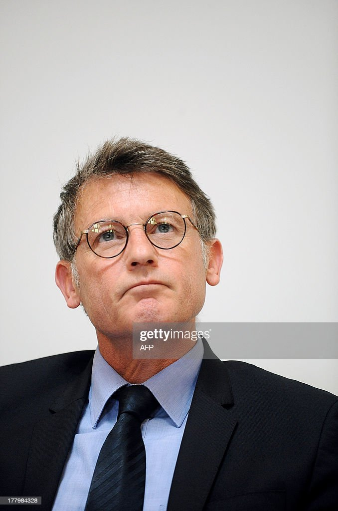 French National Education minister Vincent Peillon takes part in a meeting with trainee teachers at the Faculty of Social Sciences in Toulouse, southern France, on August 26, 2013.