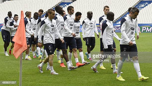 French national football team players take part in a training session on May 26 on the eve of his team's friendly football match against Norway at...
