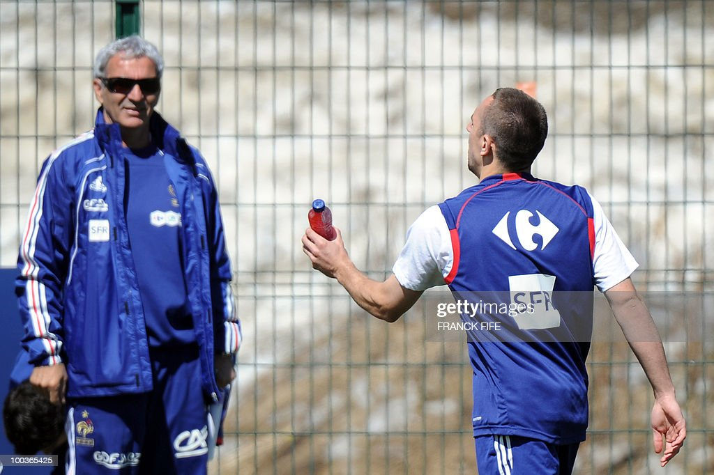 French national football team's Franck Ribery (R) arrives for a training session, on May 24, 2010, near Tignes in the French Alps, as part of the preparation for the upcoming World Cup 2010. France will play against Uruguay in Capetown in its group A opener match on June 11.