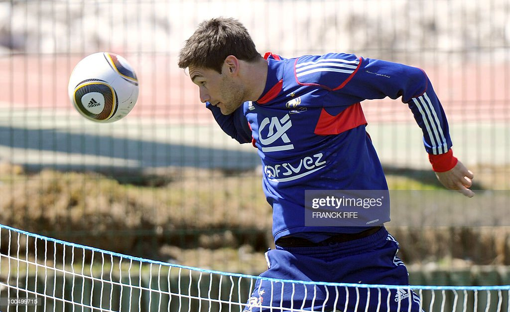 French national football team's goalkeeper Hugo Lloris heads off the ball during a training session, on May 24, 2010, near Tignes in the French Alps, as part of the preparation for the upcoming World Cup 2010. France will play against Uruguay in Capetown in its group A opener match on June 11.