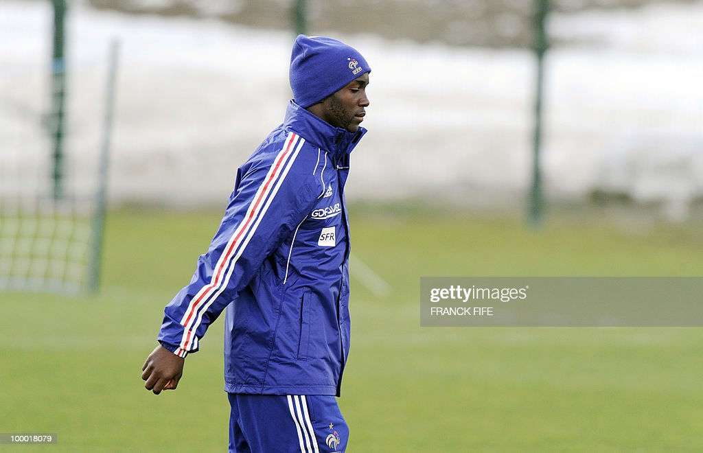 French national football team's midfielder Lassana Diarra leaves a training session, on May 20, 2010 in Tignes, French Alps, as part of the altitude training in preparation for the 2010 World cup in South Africa. France will play Uruguay in Capetown in its group A opener match on June 11.
