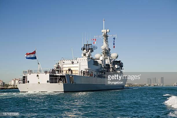Navire entrant dans la marine française de Miami