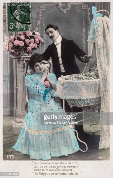 French new year postcard depicting a middle class couple in aromatic setting 1900