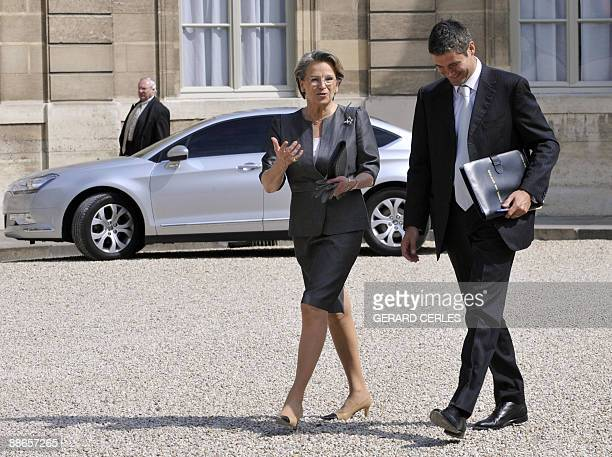 French newly appointed Justice Minister Michele AlliotMarie arrives with French Junior Minister for Employment Laurent Wauquiez on June 24 2009 for a...