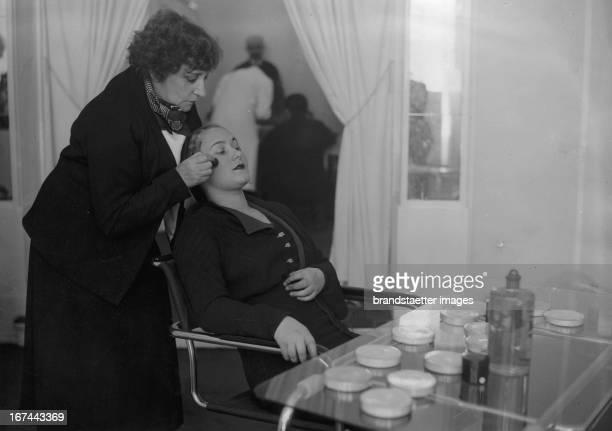French novelist SidonieGabrielle Claudine Colette in her new opened beauty salon Paris 1932 Photograph Die französische Schriftstellerin...