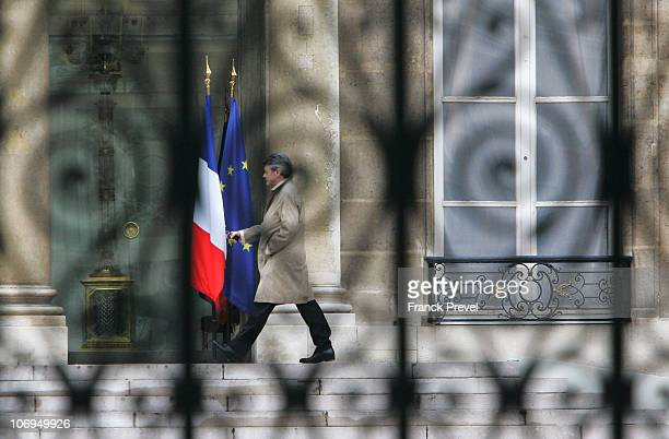 French outgoing centreright Minister for Ecology Jean Louis Borloo arrives before a meeting with French President Nicolas Sarkozy at Elysee Palace on...