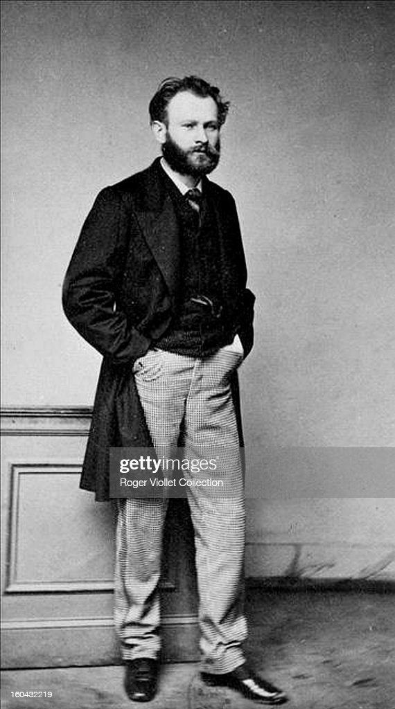 French painter Edouard Manet (1832-1883) posed circa 1860.