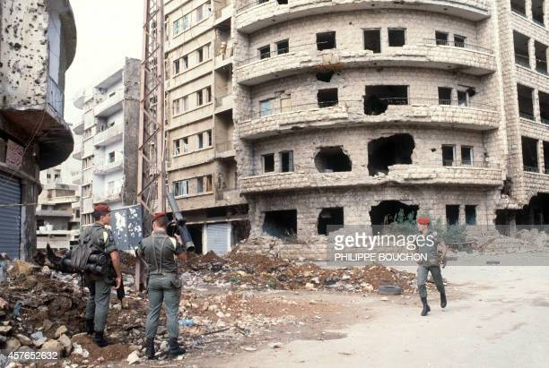 French paratroopers part of the FMSB patrol 31 October 1983 in the streets of Shiite area of Beirut