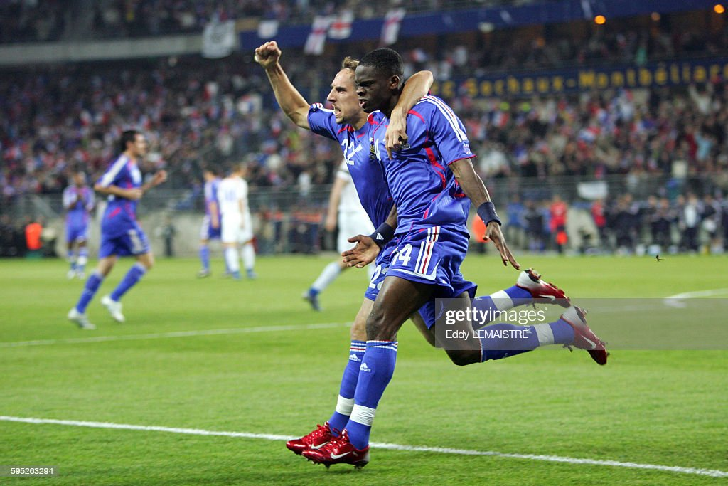 French players Franck Ribery and Louis Saha celebrate during the Euro 2008 qualifying match between France and Faroe Islands in Sochaux