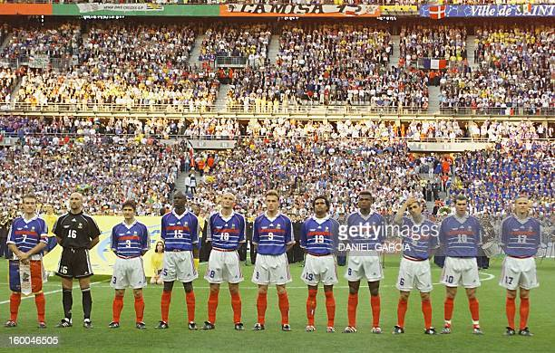 French players pose for the official team picture 12 July at the Stade de France before the 1998 World Cup final match between Brazil and France...