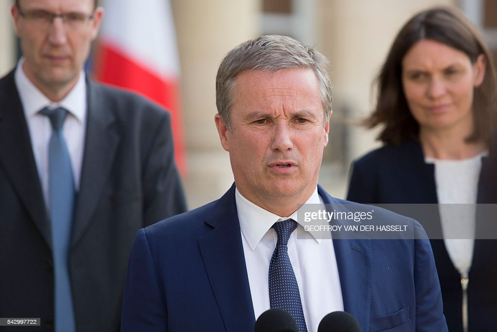 French political party Debout la France (DLF) president Nicolas Dupont-Aignan makes a statement following a meeting with French President on June 25, 2016 at the Elysee Palace in Paris, after Britain voted to leave the European Union a day before. Europe's press was awash with gloom and doom over Brexit on June 25, warning that it was a boon for nationalists while urging EU leaders to meet the challenge of their 'rendezvous with history'. / AFP / GEOFFROY