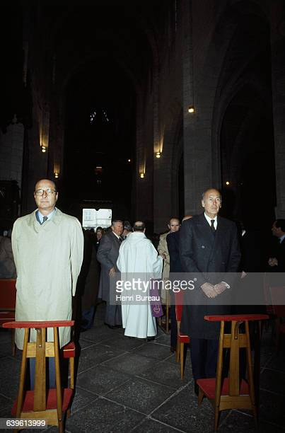 French politicians Jacques Chirac and Valery Giscard D'Estaing in church for the tenth anniversary of Georges Pompidou's death | Location Saint Flour...