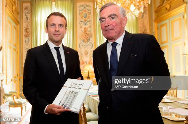 Qui est Emmanuel Macron ? - Page 5 French-president-emmanuel-macron-poses-with-the-magistrature-council-picture-id803378178?s=612x612