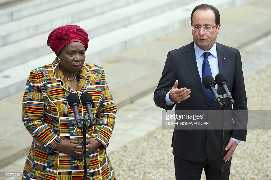 French President Francois Hollande and African Union Commission head Nkosazana Dlamini Zuma deliver a speech after a meeting at the Elysee presidential Palace on November 14, 2012 in Paris. AFP PHOTO / LIONEL BONAVENTURE