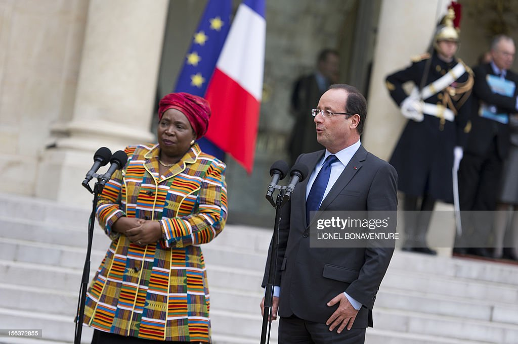 French President Francois Hollande and African Union Commission head Nkosazana Dlamini Zuma deliver a speech after a meeting at the Elysee presidential Palace on November 14, 2012 in Paris.