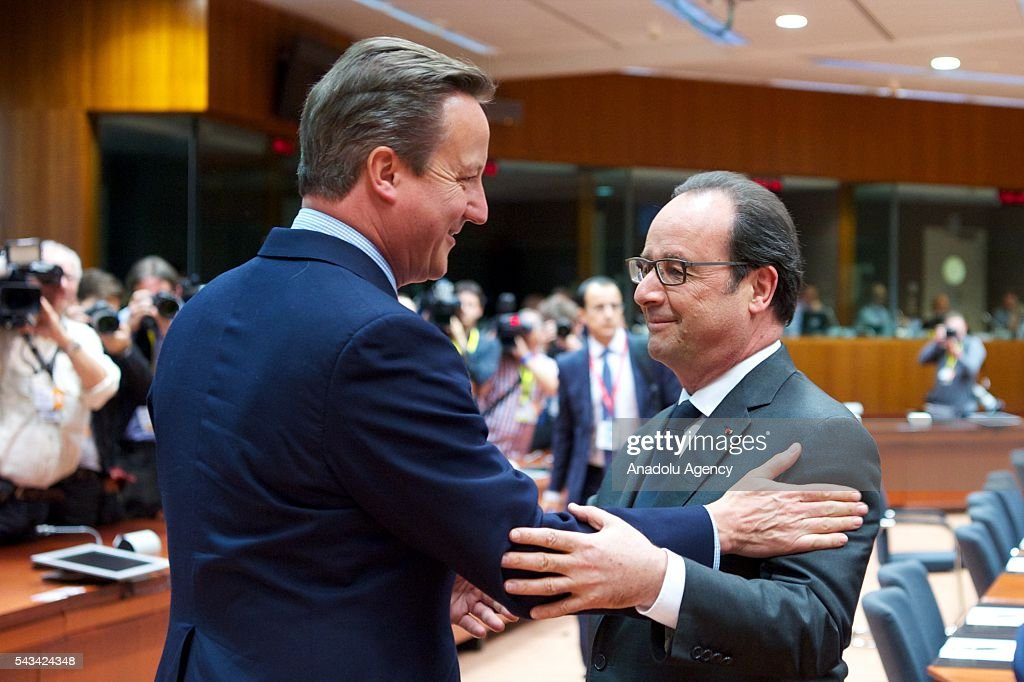 French president Francois Hollande (R) and British Prime Minister David Cameron (L) attend EU Leaders Summit at the European Union headquarters in Brussels, Belgium on June 28, 2016.
