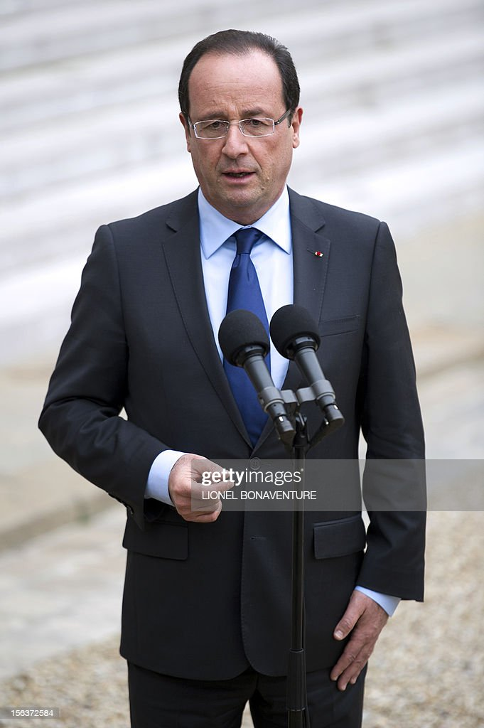 French President Francois Hollande delivers a speech at the Elysee presidential Palace on November 14, 2012 in Paris, after a meeting with African Union Commission head Nkosazana Dlamini Zuma.