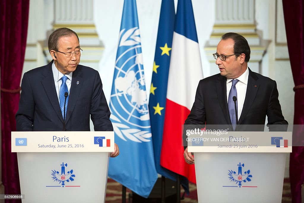 French President Francois Hollande delivers a speech during a joint press conference with UN Secretary-General Ban Ki-moon following a meeting on June 25, 2016 at the Elysee Palace in Paris. / AFP / GEOFFROY