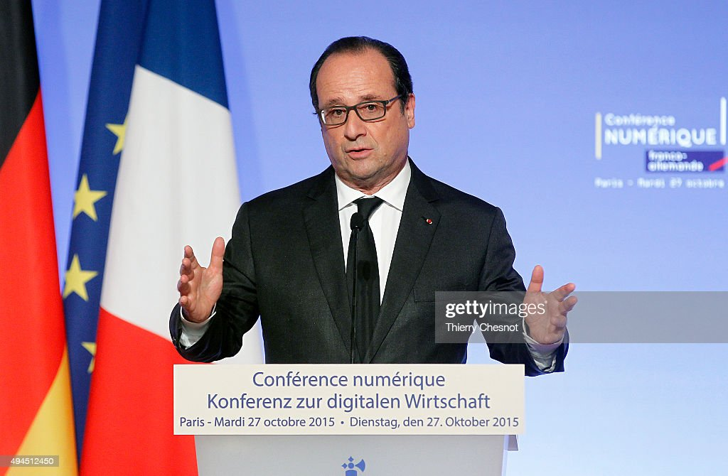 French president Francois Hollande delivers a speech during the France-Germany digital conference at the Elysee palace on October 27, 2015 in Paris, france. Francois Hollande, Merkel and Jean-Claude Juncker attend a workshop on new technologies during a Franco-German digital summit at the Elysee Palace.