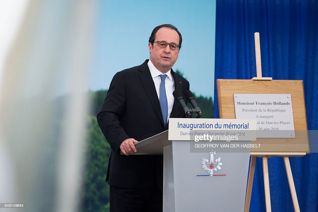 French President Francois Hollande delivers a speech during the inauguration ceremony of the memorial of Dun-les-Places in tribute of the victims killed during the Second World War in Dun-les-Places on June 26, 2016. / AFP / GEOFFROY