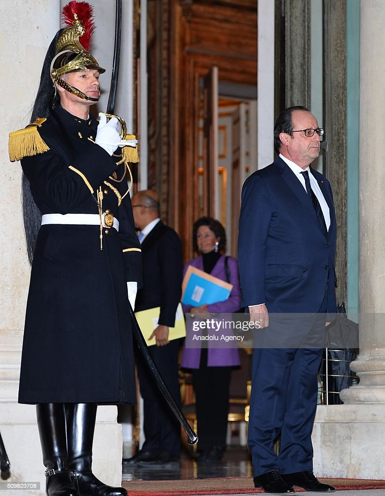 French President Francois Hollande is seen before he welcomes Dutch Prime Minister Mark Rutte (not seen) at the Elysee Palace in Paris, France on February 12, 2016.