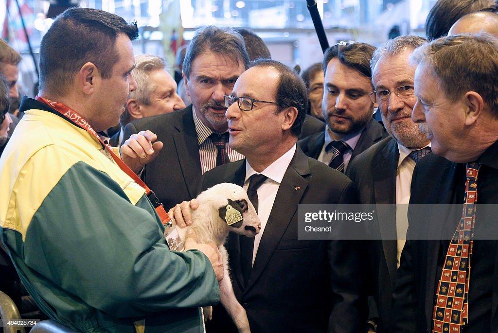 39 salon de l 39 agriculture 2015 39 opens at porte de versailles for Hollande salon agriculture