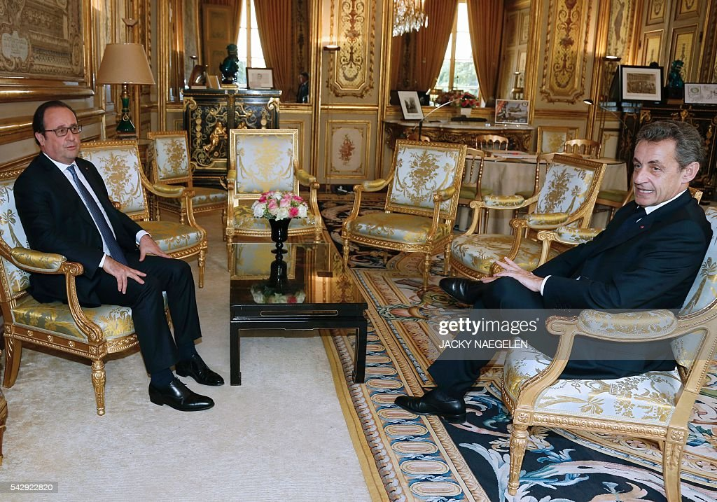 French President Francois Hollande (L) meets Nicolas Sarkozy, head of France's Les Republicains political party and former French president, after Britain's vote to leave the European Union, at the Elysee Palace in Paris, France, June 25, 2016. Founding EU members are to hold a crisis meeting Saturday on the future of the bloc after Britain's seismic vote to leave the union and the resignation of Prime Minister David Cameron. As the 'Brexit' vote sent global financial markets into freefall, Moody's cut Britain's credit rating outlook to 'negative', saying the vote to pull out of the European Union could hurt its economic prospects. NAEGELEN