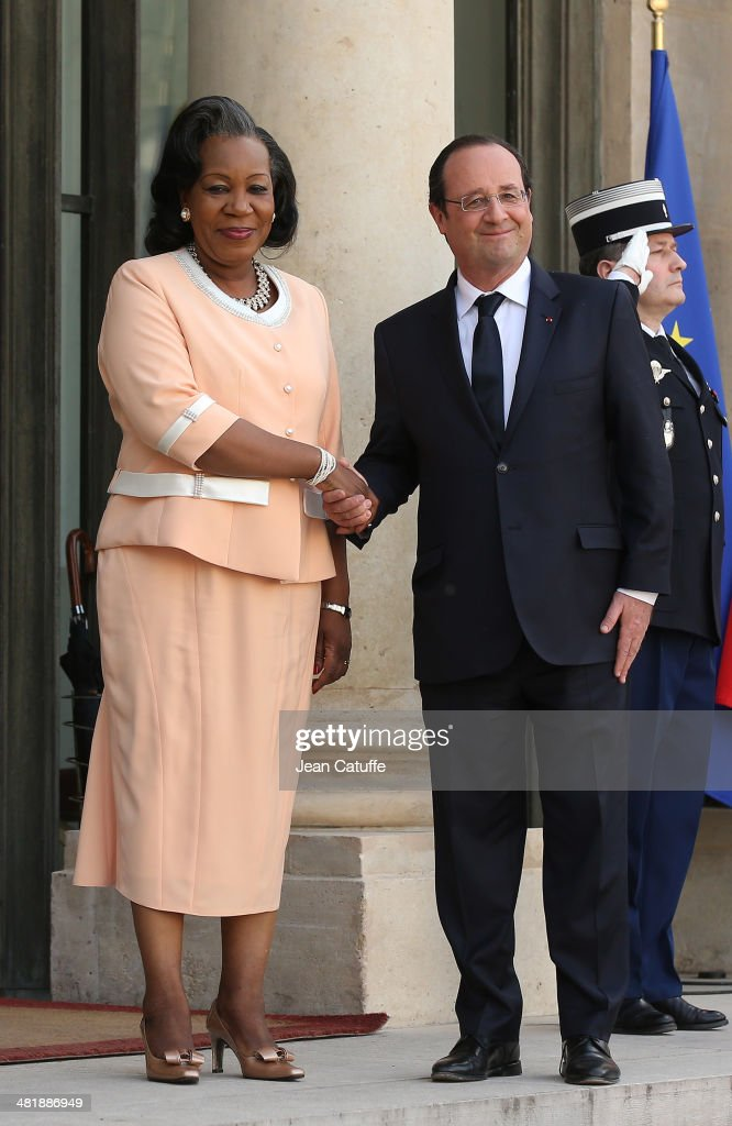 French President Francois Hollande receives Central African Republic President Catherine Samba Panza at Elysee Palace on April 1, 2014 in Paris, France.
