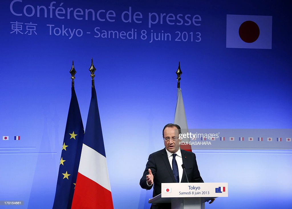 French President Francois Hollande speaks during a press conference at Institut Francais du Japon in Tokyo on June 8, 2013. Hollande was left red-faced in Tokyo on June 7 after a slip of the tongue that saw him confuse his Japanese hosts with the Chinese. AFP PHOTO / POOL / Koji Sasahara