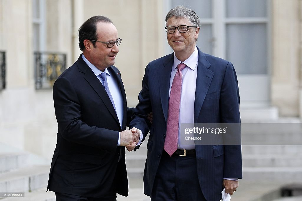 French President Francois Hollande welcomes <a gi-track='captionPersonalityLinkClicked' href=/galleries/search?phrase=Bill+Gates&family=editorial&specificpeople=202049 ng-click='$event.stopPropagation()'>Bill Gates</a>, the co-Founder of the Microsoft company and co-Founder of the Bill and Melinda Gates Foundation attend a meeting at the Elysee Presidential Palace on June 27, 2016 in Paris, France. <a gi-track='captionPersonalityLinkClicked' href=/galleries/search?phrase=Bill+Gates&family=editorial&specificpeople=202049 ng-click='$event.stopPropagation()'>Bill Gates</a> mentioned in a short statement after his meeting with French President Francois Hollande that France was a great asset in the fight against AIDS.
