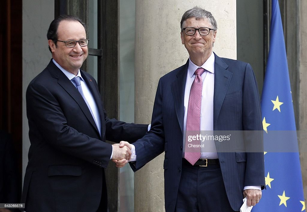 French President Francois Hollande welcomes <a gi-track='captionPersonalityLinkClicked' href=/galleries/search?phrase=Bill+Gates&family=editorial&specificpeople=202049 ng-click='$event.stopPropagation()'>Bill Gates</a>, the co-Founder of the Microsoft company and co-Founder of the Bill and Melinda Gates Foundation prior to a meeting at the Elysee Presidential Palace on June 27, 2016 in Paris, France. <a gi-track='captionPersonalityLinkClicked' href=/galleries/search?phrase=Bill+Gates&family=editorial&specificpeople=202049 ng-click='$event.stopPropagation()'>Bill Gates</a> mentioned in a short statement after his meeting with French President Francois Hollande that France was a great asset in the fight against AIDS.