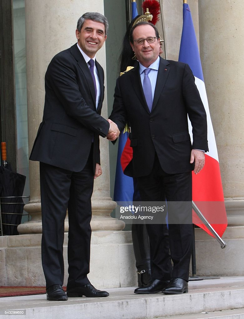 French President Francois Hollande (R) welcomes Bulgarian Prime Minister Rosen Plevneliev (L) at the Elysee Palace in Paris, France on June 27, 2016.