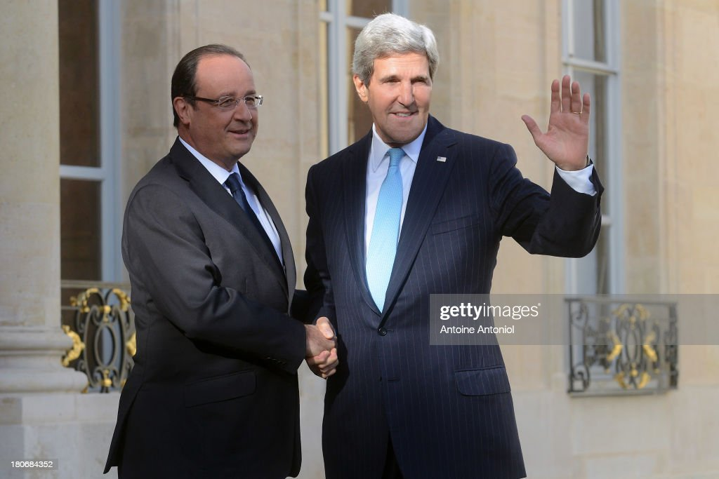 French President Francois Hollande (L) welcomes US Secretary of State <a gi-track='captionPersonalityLinkClicked' href=/galleries/search?phrase=John+Kerry&family=editorial&specificpeople=154885 ng-click='$event.stopPropagation()'>John Kerry</a> at Elysee Palace on September 16, 2013 in Paris, France. The leaders met to discuss the need for the removal of chemical weapons in Syrian.