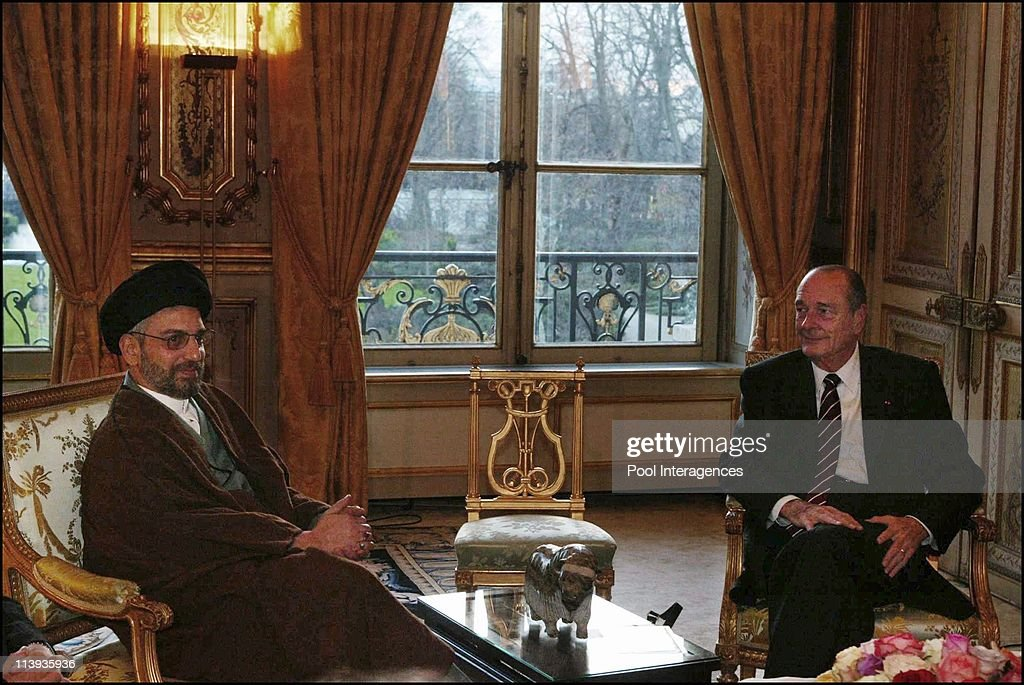 French president Jacques Chirac receives Iraqi delegation of the transition government counsel led by president Abdel Aziz Al Hakim In Paris France...