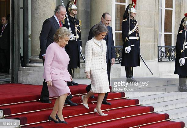 French President Jacques Chirac walks with TRH King Juan Carlos of Spain his wife Queen Sofia of Spain and Chirac's wife Bernadette at Elysee Palace...