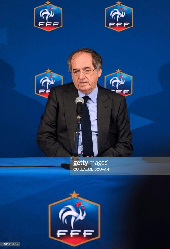 French president of French Football association (FFF) Noel Le Graet gives a speech at the opening of the FFF Federal Assembly on May 28, 2016 in Tours, central France. / AFP / GUILLAUME