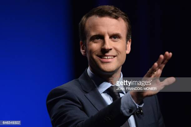 TOPSHOT French presidential candidate for the 'En Marche' movement Emmanuel Macron delivers a speech during a campaign meeting on February 28 in...