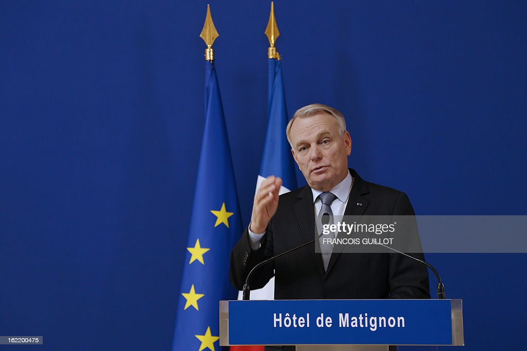 French Prime Minister Jean-Marc Ayrault delivers a speech following a lunch with French government's ministers focused on budget on February 20, 2013 at the Hotel Matignon, the Prime Minister official residence, in Paris. AFP PHOTO / FRANCOIS GUILLOT