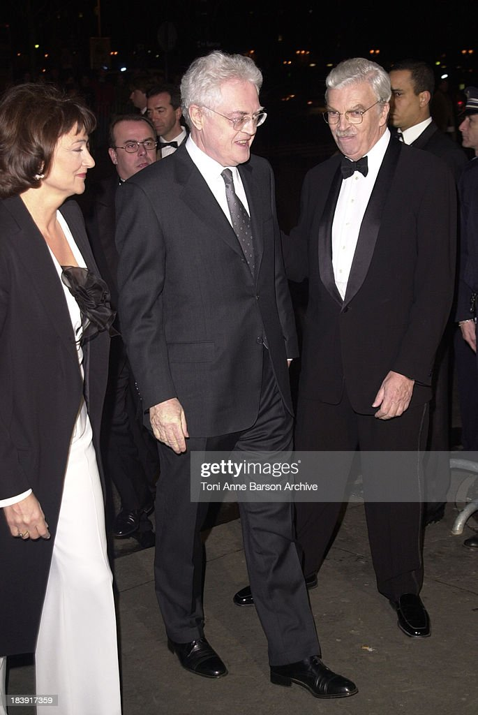 French Prime Minister <a gi-track='captionPersonalityLinkClicked' href=/galleries/search?phrase=Lionel+Jospin&family=editorial&specificpeople=210565 ng-click='$event.stopPropagation()'>Lionel Jospin</a> & wife welcomed by Daniel Toscan du Plantier