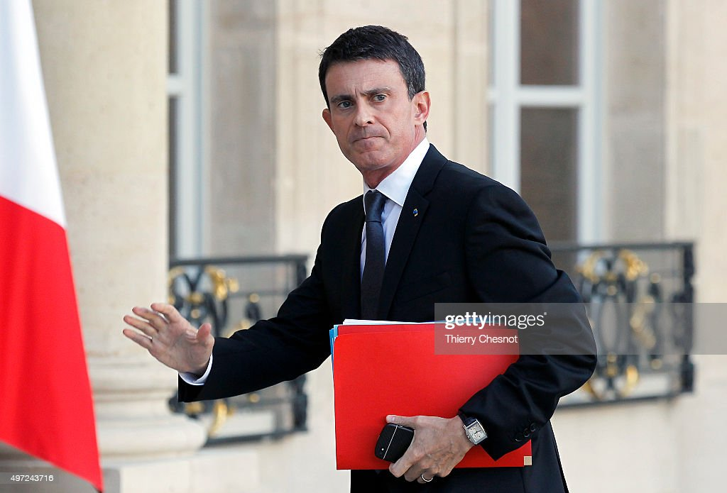 French Prime Minister <a gi-track='captionPersonalityLinkClicked' href=/galleries/search?phrase=Manuel+Valls&family=editorial&specificpeople=2178864 ng-click='$event.stopPropagation()'>Manuel Valls</a> arrives at the Elysee Presidential Palace for a meeting on November 15, 2015 in Paris, France. French President Francois Hollande meets party leaders today after a series of fatal shootings in Paris on Friday.