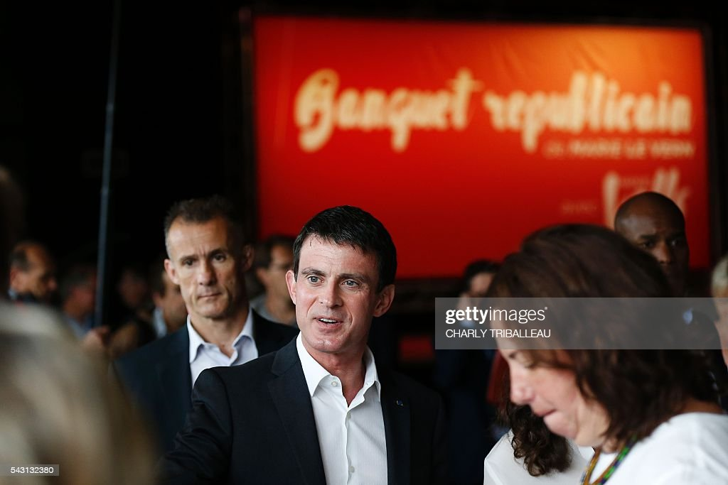 French Prime Minister Manuel Valls attends the 'Banquet Republicain' organised by Seine-Maritime departmental councilor Marie Le Vern, on June 26, 2016 in Belleville-sur-Mer, northwestern France. / AFP / CHARLY