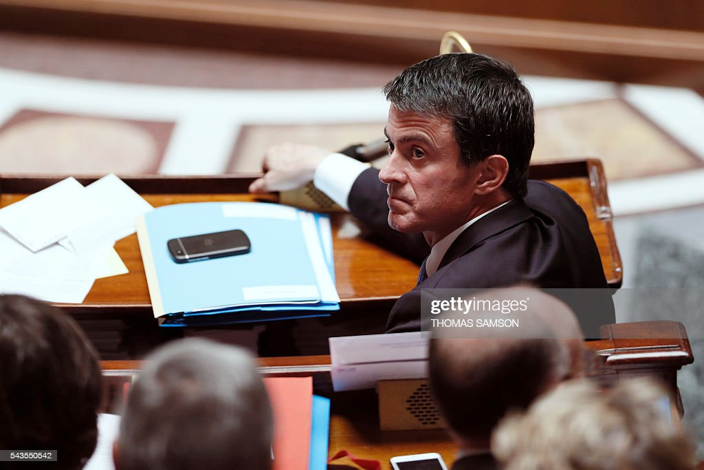 French Prime minister Manuel Valls attends the questions to the government session on June 29, 2016 at the French National Asssembly in Paris. / AFP / Thomas SAMSON