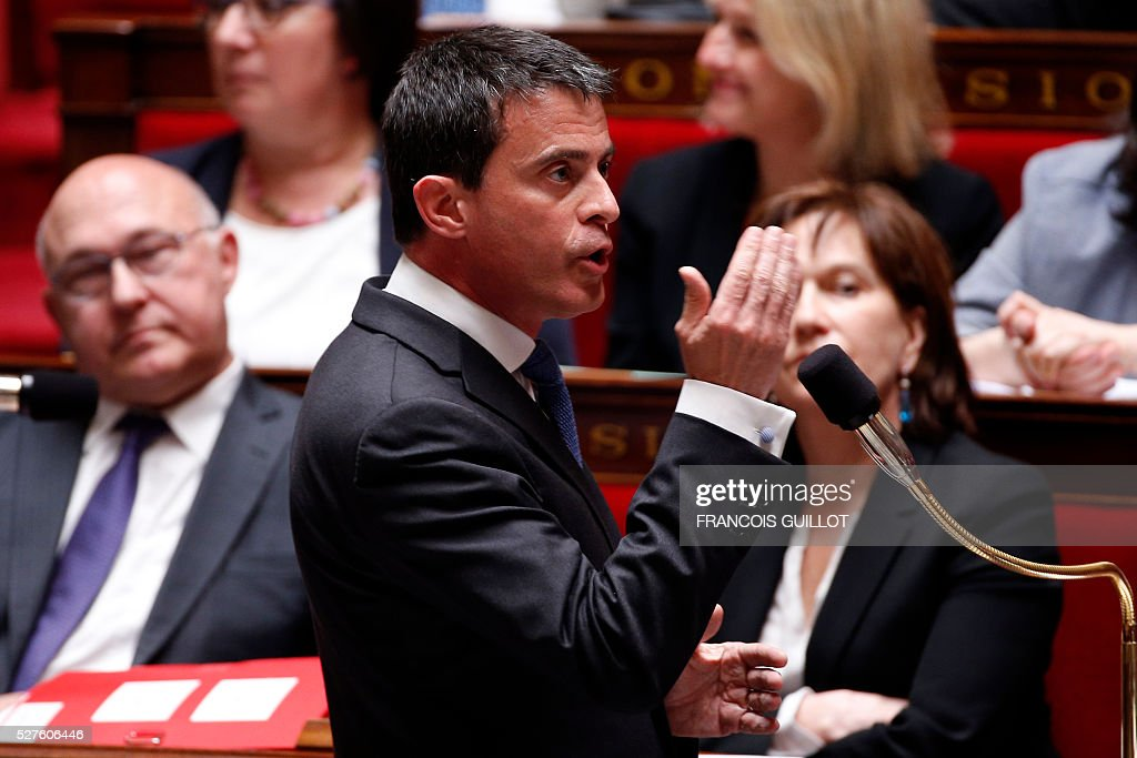 French Prime minister Manuel Valls delivers a speech during a session of Questions to the government, on May 3, 2016 at the French National assembly in Paris.