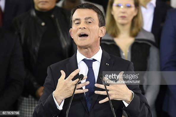 TOPSHOT French Prime Minister Manuel Valls delivers a speech to announce his bid to become the Socialist presidential candidate in the 2017...