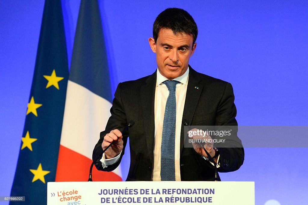 French Prime Minister Manuel Valls speaks during a conference on reforming the French public school system in Paris on May 3, 2016. / AFP / BERTRAND