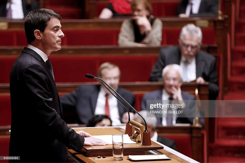 French Prime minister Manuel Valls speaks during the questions to the government session on June 28, 2016 at the French National Asssembly in Paris. / AFP / FRANCOIS