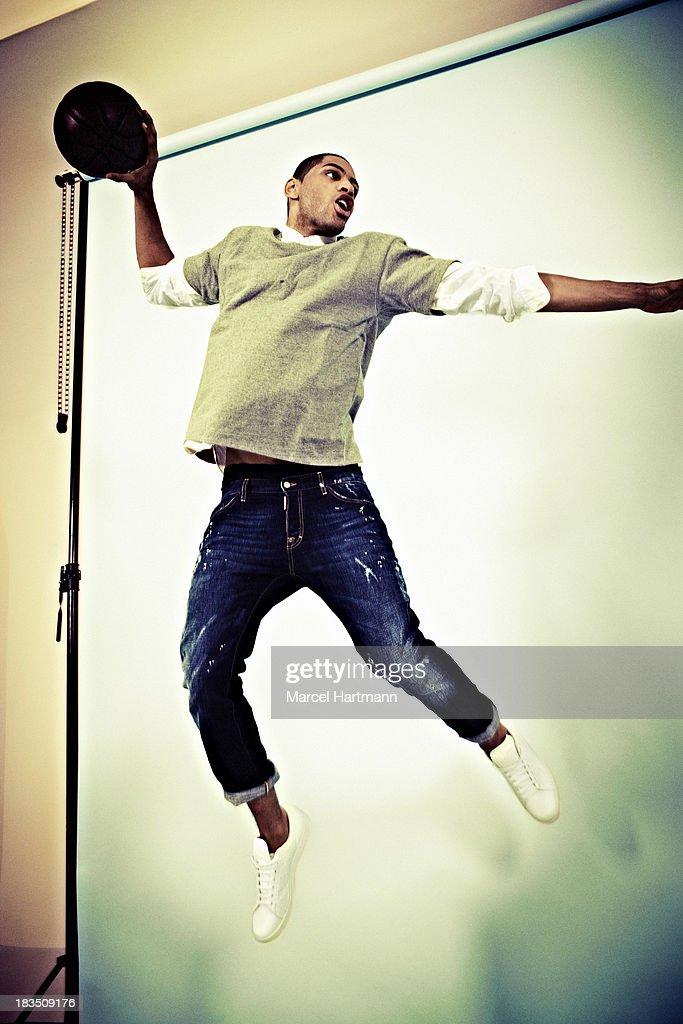 Nicolas Batum, Sport & style, April 2012