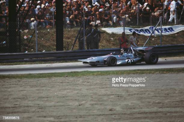 French racing driver JeanPaul Jarier drives the Shell Arnold March 701 Ford Cosworth DFV 30 V8 in the 1971 Italian Grand Prix at Monza in Italy on...