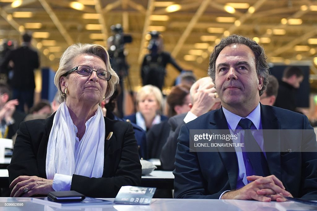 French right-wing Les Republicains (LR) party members, former French Foreign Minister Michele Alliot-Marie (L) and Luc Chatel attend the LR National Council on February 13, 2016 in Paris. AFP PHOTO / LIONEL BONAVENTURE / AFP / LIONEL BONAVENTURE