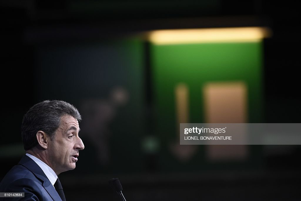 French right-wing Les Republicains (LR) party President, Nicolas Sarkozy delivers a speech during the LR National Council on February 14, 2016 in Paris. AFP PHOTO / LIONEL BONAVENTURE / AFP / LIONEL BONAVENTURE